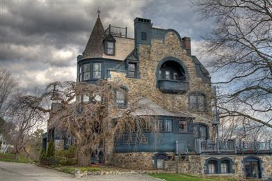 Creepy Haunted Houses In Maine Make Your Blood Run Cold