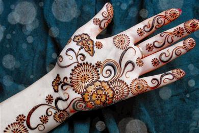 Bridal Mehndi Birmingham : Tips to have a beautiful and gorgeous bridal mehndi design sulekha