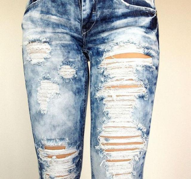 Rip it! Homemade ripped Jeans - Torn Jeans - Fashion & Styles