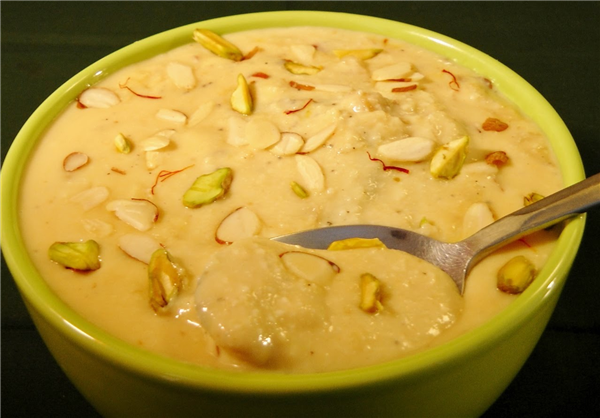 Quick indian dessert rabdi recipe by tarla dalal food recipes forumfinder Gallery