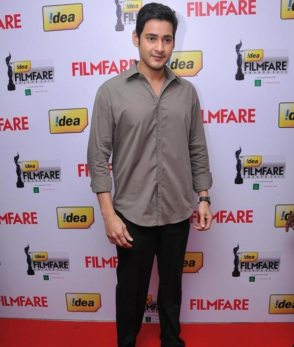 Mahesh Babu Bags Top Honors At Filmfare Awards