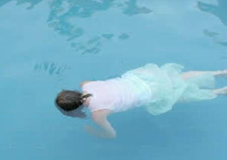 Indian American Woman Found Dead In The Swimming Pool Local Pulse Indian Articles News